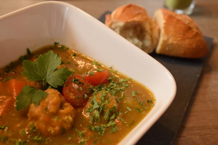 Moringa-Suppe
